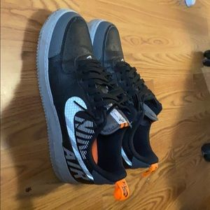 COPY - Nike air forces black and silver
